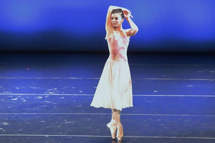 Чистые танцы на дороге. Прима-балерина лондонского Королевского балета выступила в БДТ   ФОТО Евгения ПРОНИНА предоставлено пресс-службой фестиваля