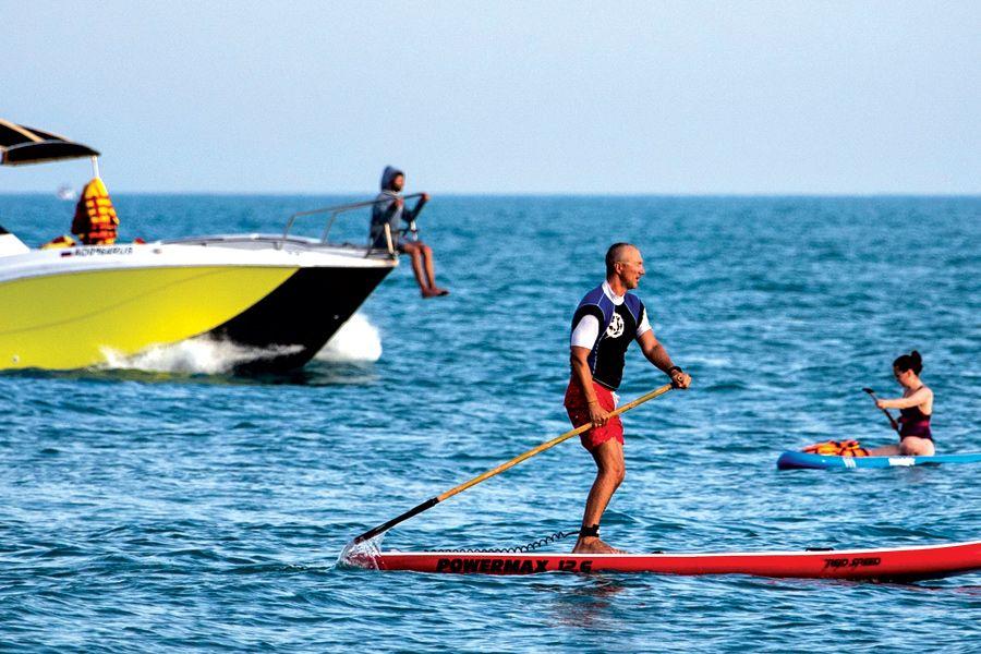 Опрос показал, представители каких профессий в отпуске скучают по работе | Разве может наскучить море? ФОТО Дмитрия ФЕОКТИСТОВА/ТАСС